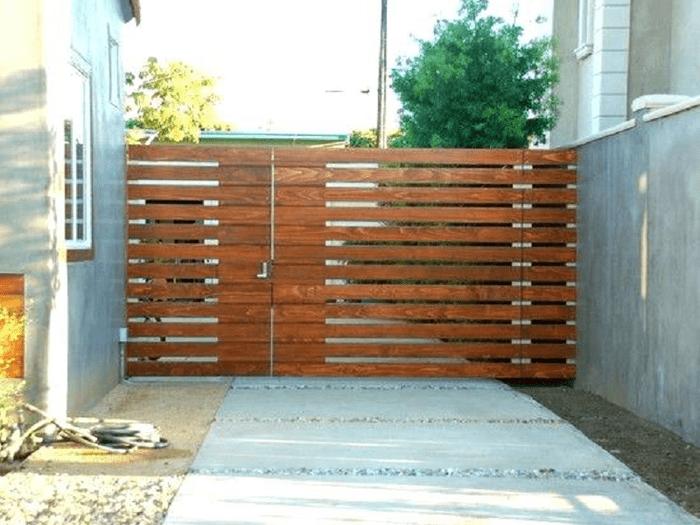 Mẫu hàng rào gỗ xếp theo hình ngang/dọc