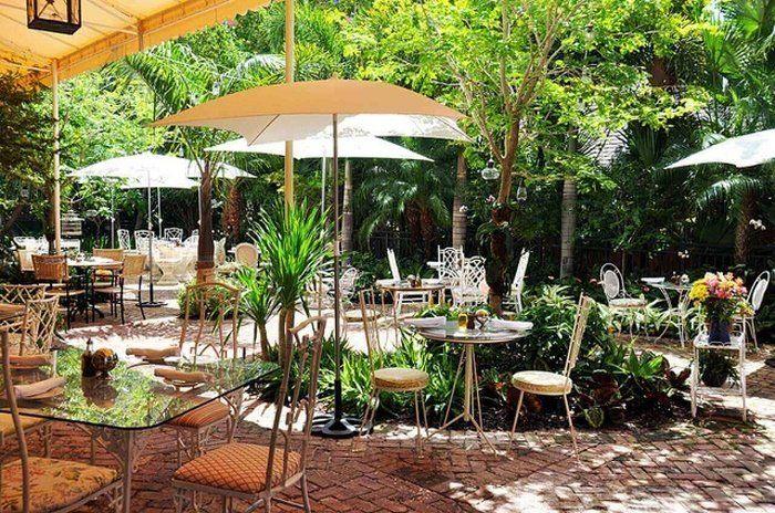 Kinh nghiệm thiết kế quán cafe sân vườn diện tích nhỏ hút khách nhất