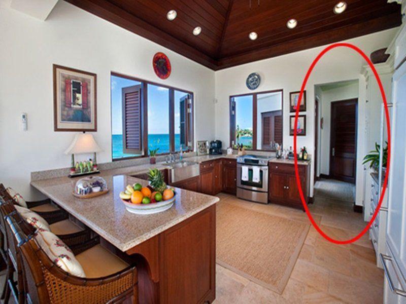 Cửa chính và của phụ của ngôi nhà không được đối diện nhau