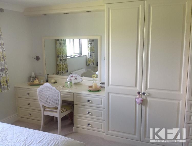 Tủ quần áo âm tường kết hợp bàn trang điểm