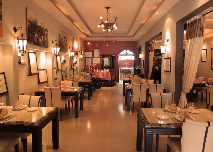 thiết kế nhà hàng theo phog cách cổ điển