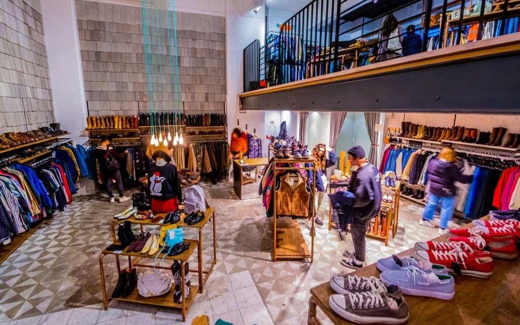 Thiết kế nọi thất showroom thời trang