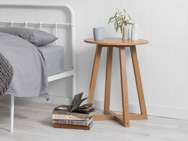 Bàn ghế phòng ngủ gỗ mộc 2