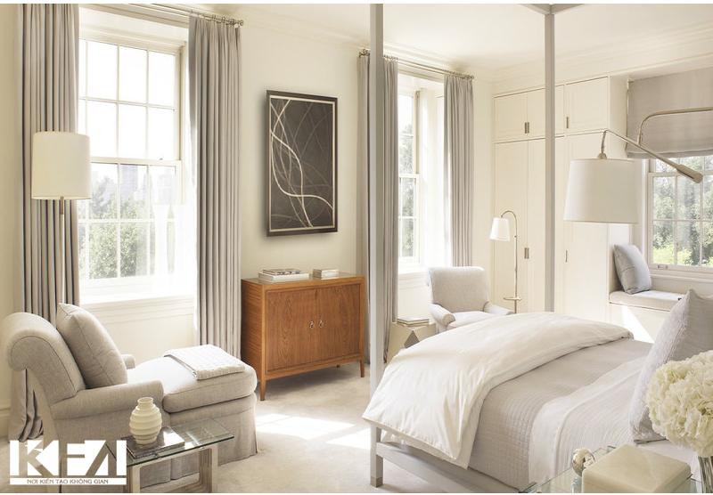 Rèm cửa và thảm trải sàn tạo điểm nhấn căn phòng