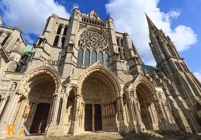 Thiết kế nội thất Gothic là một phong cách bắt nguồn từ Pháp