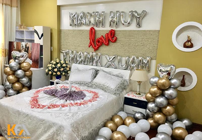 Giường ngủ của cặp đôi mới cưới cần có sự riêng tư