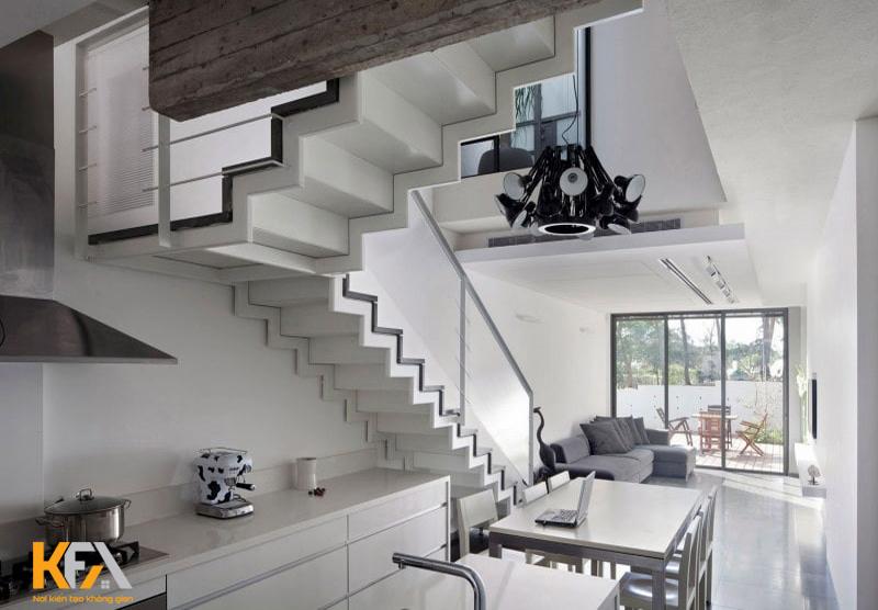 Thiết kế tủ bếp dưới gầm cầu thang sẽ giúp gia chủ tận dùng được chiều cao trên tường và khu vực gầm