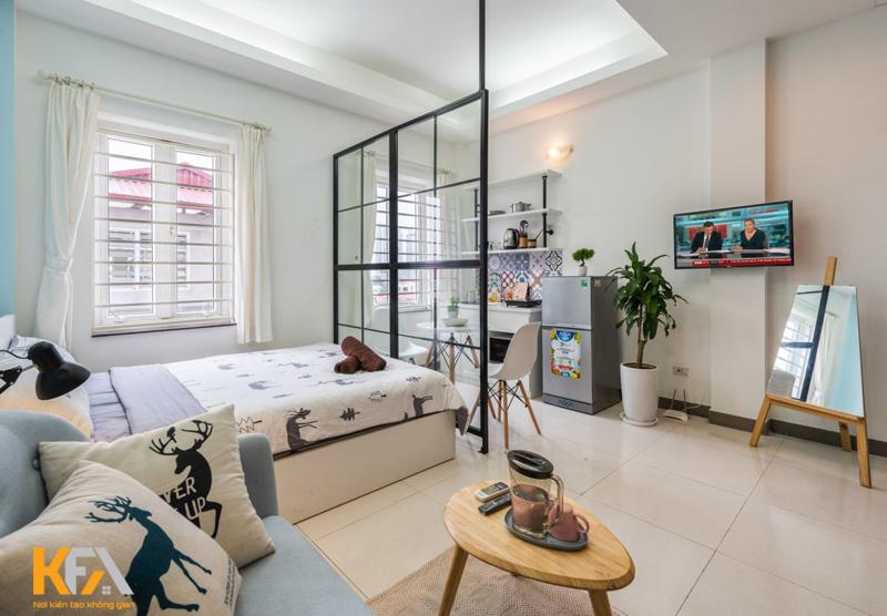 Dùng rèm hoặc vách kính để tạo nên không gian phòng ngủ riêng
