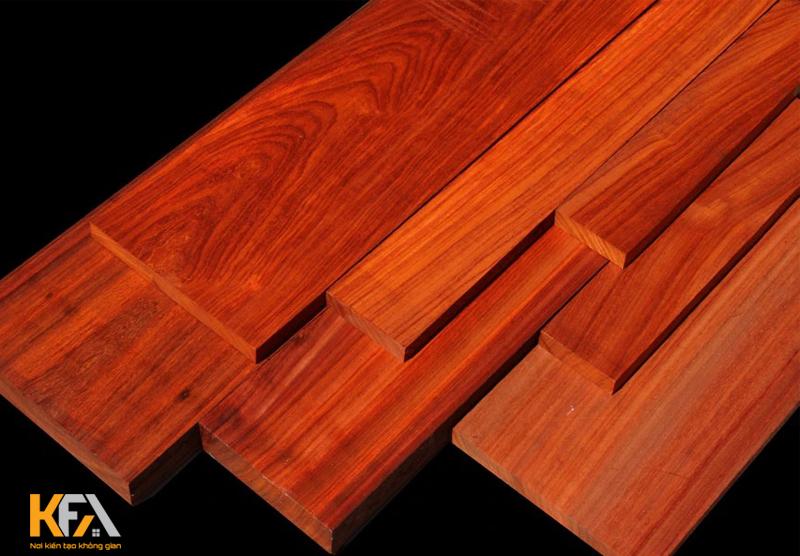 Gỗ có tính chất cứng rắn, màu gỗ đẹp và mang đến giá trị khi sử dụng cao
