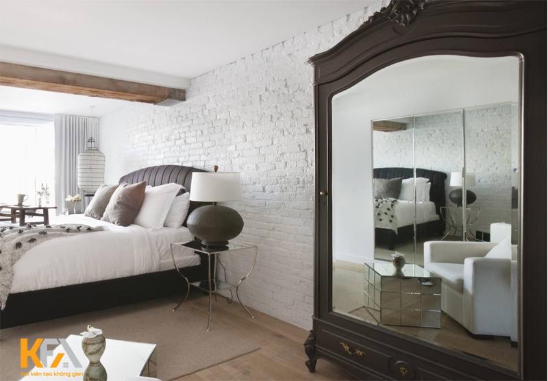 Không nên đặt gương đối diện với cửa phòng ngủ
