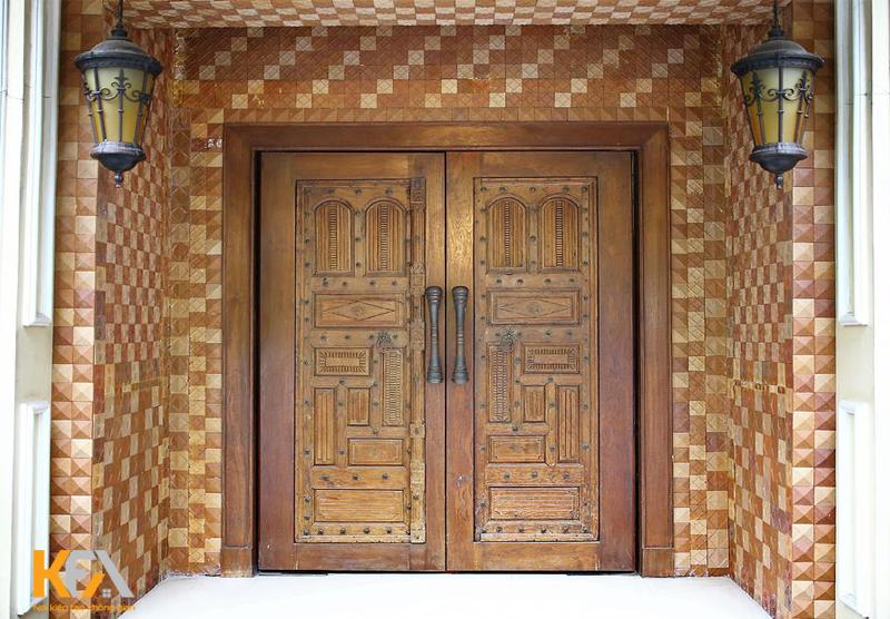 Mẫu cửa phong cách cổ điển sẽ giúp khẳng định được độ chất chơi và đẳng cấp